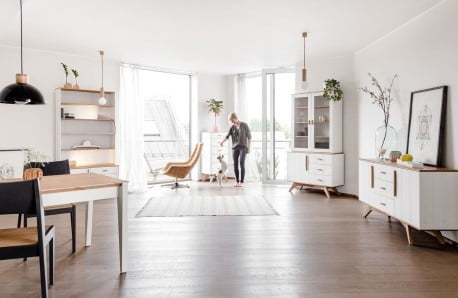 Komody, stoly i postele z dalekého Tallinnu