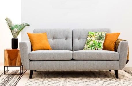 Fotolii și canapele în diferite culori