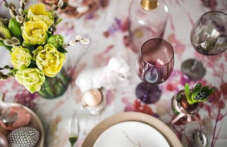 Pregătiri pentru o masă festivă