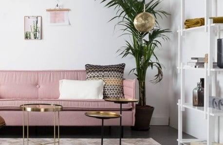 Un interior pe roz începe cu ♥
