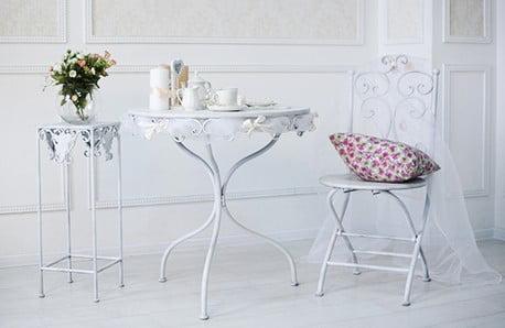 Mobilier și decorațiuni pentru romantici