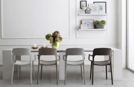 Mobilă și decorațiuni cu design contemporan