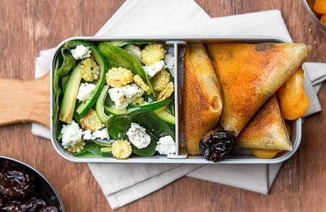Boxy, lahve i termohrnky pro dokonalý oběd