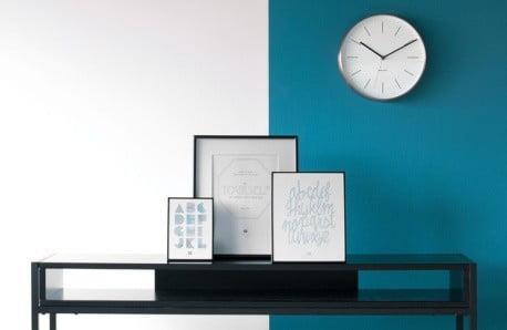 Decorațiuni, ceasuri și tablouri în stil minimalist