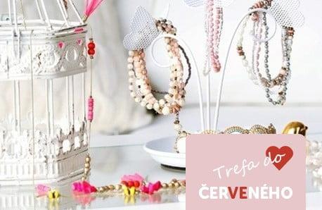 Elegantní kousky doplněné krystaly Swarovski