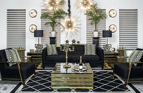 Skleněné stolky a elegantní pohovky