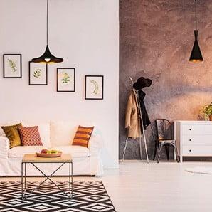 Svítidla, deky a obrazy v italském designu