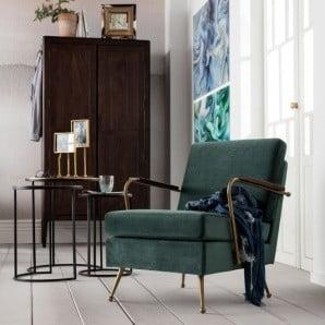 Je libo nové křeslo, pohovku nebo stolek?