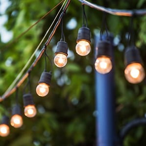 Světelné dekorace na ven