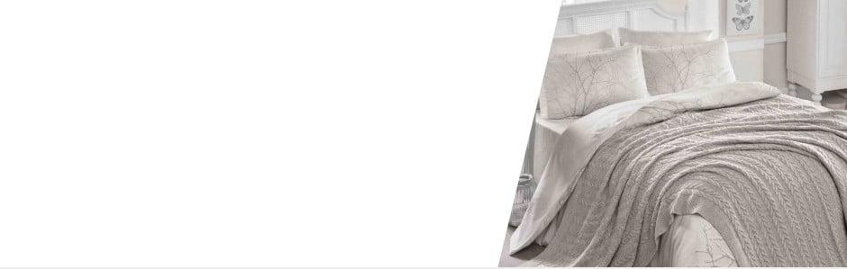 Koberce, plédy a polštáře: Nákupní mánie s Homemania