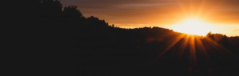 Nábytek v barvách západu slunce