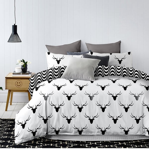 Czarno-biała dwustronna pościel dwuosobowa z mikrowłókna DecoKing Hypnosis Deerest, 230x220 cm