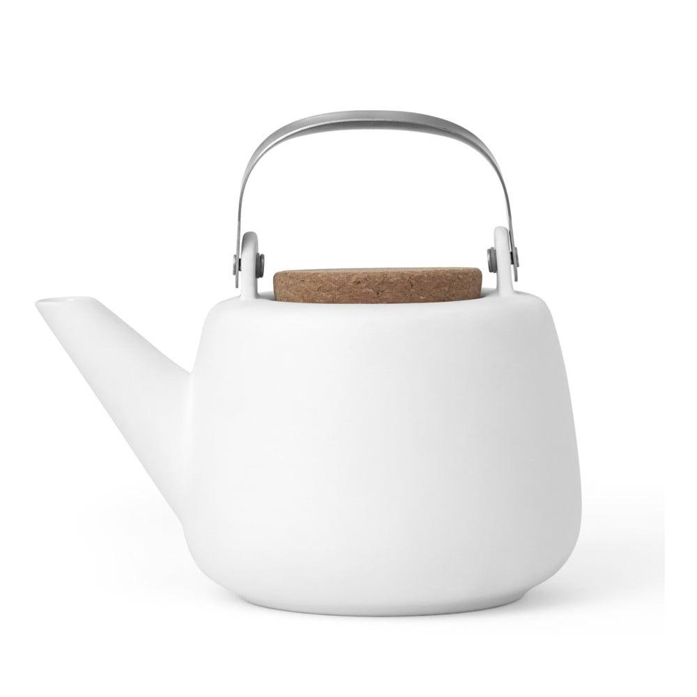 Bílá čajová konvička se sítkem a matným povrchem Viva Scandinavia Nicola, 1 l