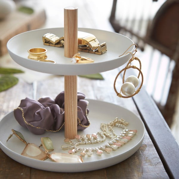 Bílý stojánek se 2 úložnými miskami a detailem z bukového dřeva YAMAZAKI Tosca