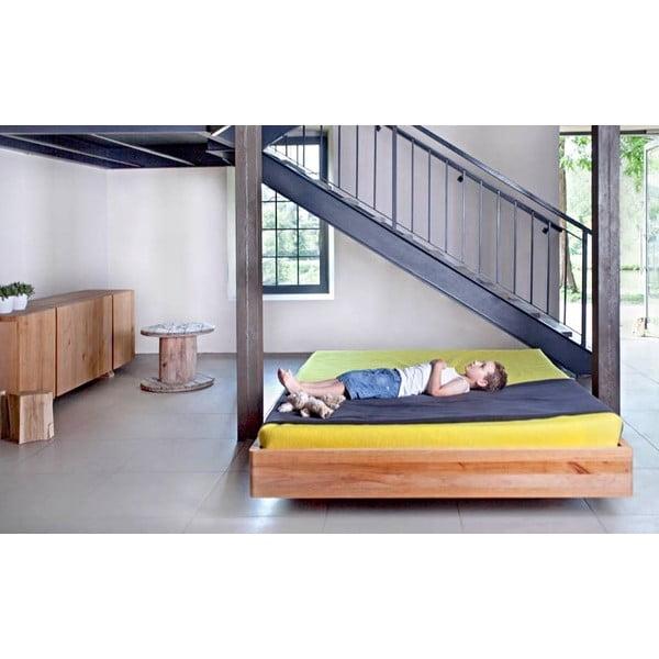 Vznášející se postel z olšového dřeva Mazzivo Pool, 200x200cm