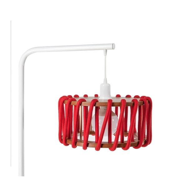 Stojací lampa s bílou konstrukcí a malým červeným stínidlem EMKO Macaron