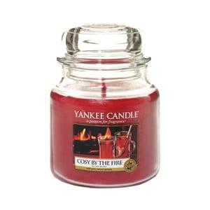 Vonná svíčka Yankee Candle Útulno u Krbu, doba hoření 65 - 90 hodin