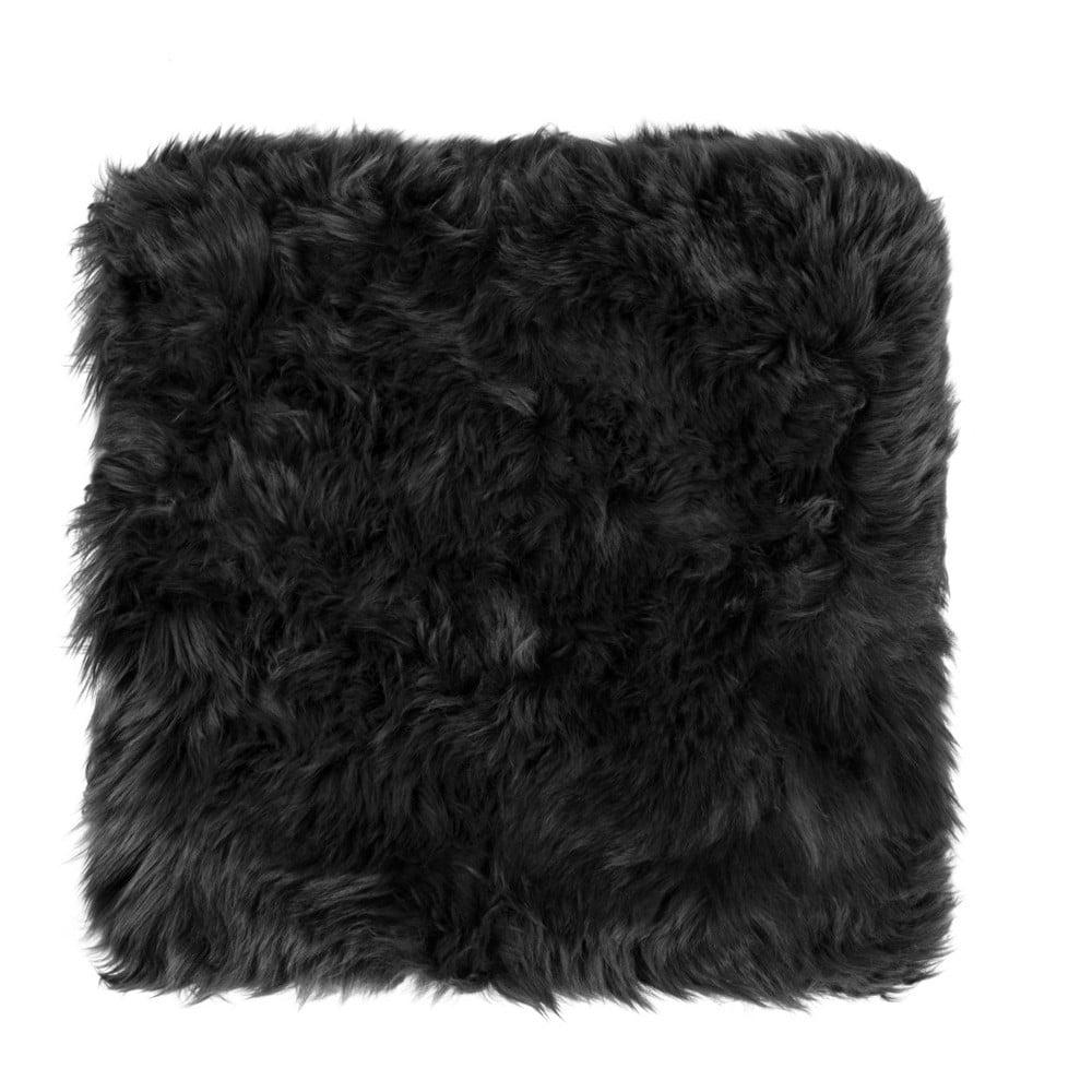 Černý sedák z ovčí kožešiny na jídelní židli Royal Dream, 40x40cm