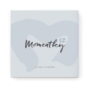 Světle modré vzpomínkové album na jeden rok se samolepkami Bloque.Momentky52