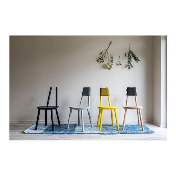 Šedá židle z masivu EMKO Naïve