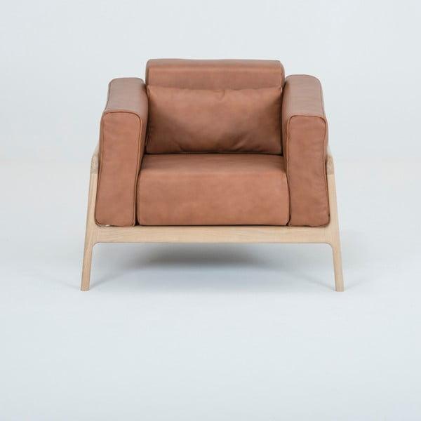 Fawn fotel tömör tölgyfa konstrukcióból konyakbarna bivalybőr ülőpárnával - Gazzda