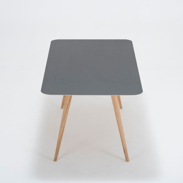 Jídelní stůl z masivního dubového dřeva s černou deskou Gazzda Linn, 180x90cm