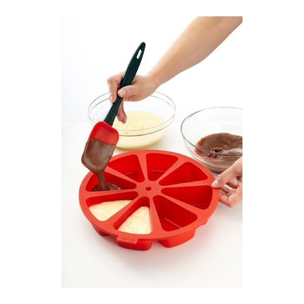 Czerwona silikonowa forma do tortu z przegródkami Lékué, ⌀ 26,5 cm