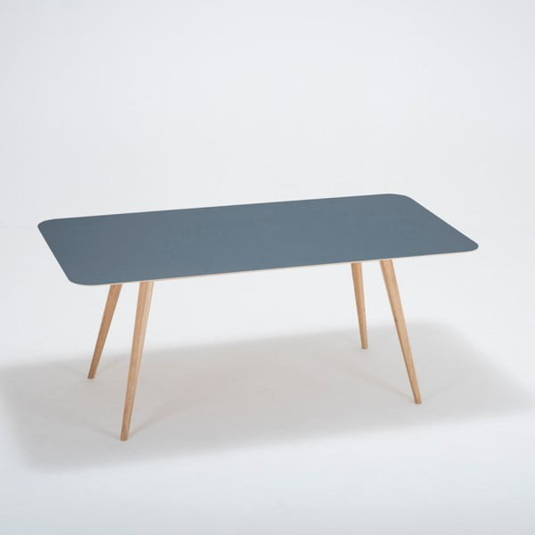 Jídelní stůl z masivního dubového dřeva s tmavě modrou deskou Gazzda Linn, 180x90cm