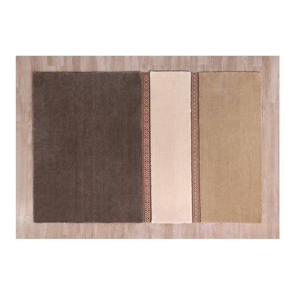Hnědý koberec EMKO Lietuva