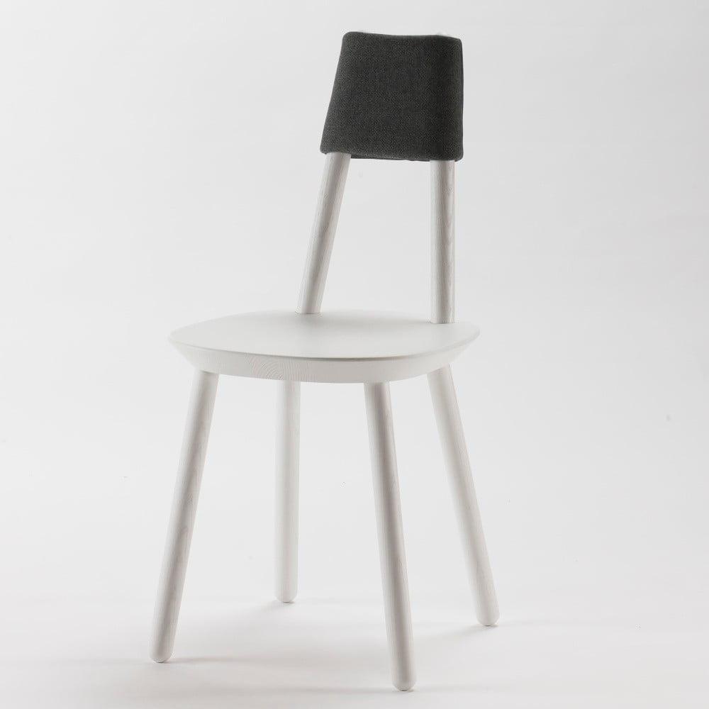 Bílá židle z masivu Emko Naïve