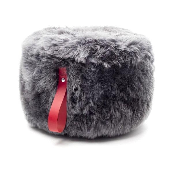 Šedý puf z ovčí kožešiny s červeným detailem Royal Dream,Ø60cm