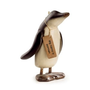 Dekorace z teakového dřeva Moycor Norman Penguin, výška 27 cm