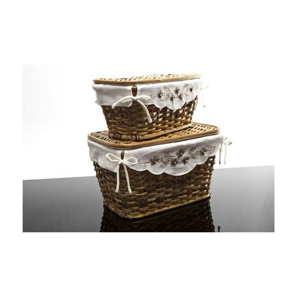 Sada dvou tradičních košíků, kvítí