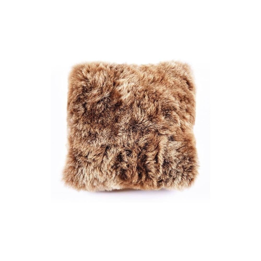 Hnědý kožešinový polštář s krátkým chlupem Rusty, 35 x 35 cm