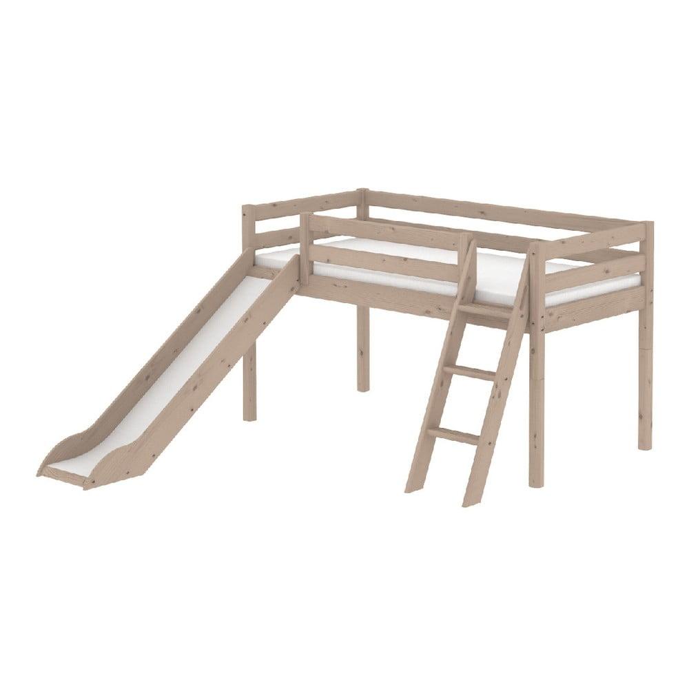 Hnědá středně vysoká dětská postel z borovicového dřeva se skluzavkou a žebříkem Flexa Classic, 90 x 200 cm