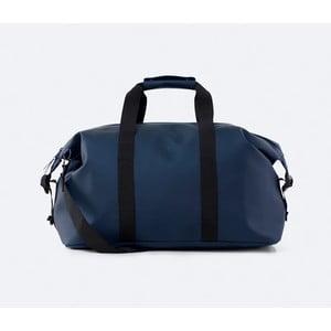 Tmavě modrá cestovní taška s vysokou voděodolností Rains Weekend