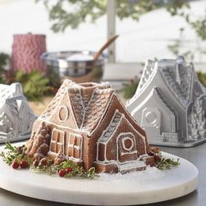 Forma na pečení Nordic Ware Domeček