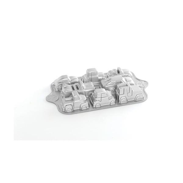 Formă pentru 8 mini prăjituri Nordic Ware Cars, 1,2 l