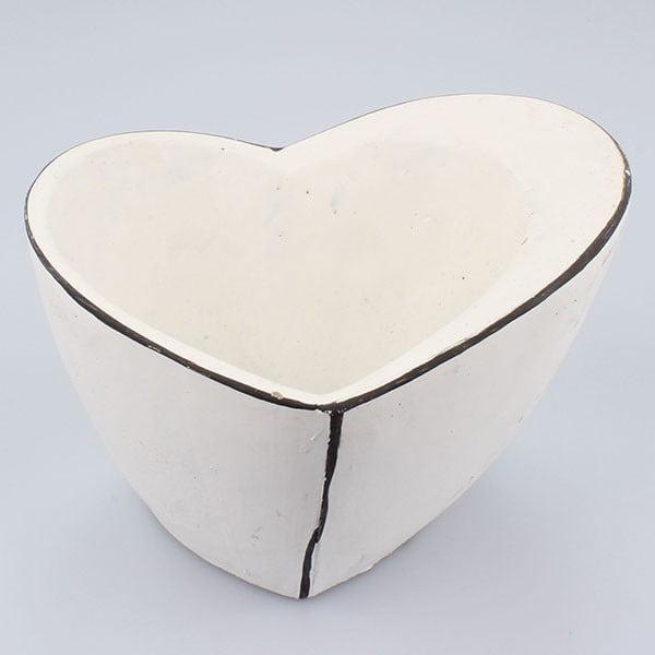 Bílý betonový květináč Dakls Vintage Heart