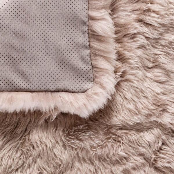 Světle hnědý koberec z ovčí kožešiny Royal Dream Zealand, 140x70cm
