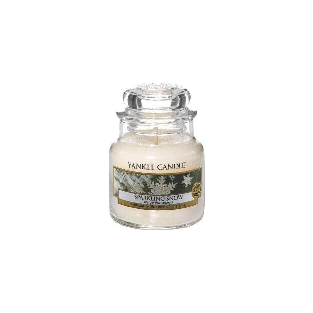 Vonná svíčka Yankee Candle Jiskřivý Sníh, doba hoření 25 - 40 hodin