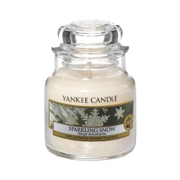 Lumânare parfumată Yankee Candle Sparkling Snow, timp de ardere 25 - 40 ore