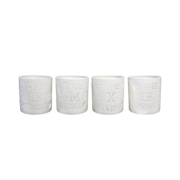 Sada čtyř porcelánových svícnů s vyřezávanými písmeny