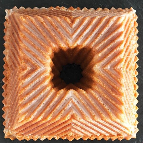 Forma na bábovku Nordic Ware Bavaria Cube