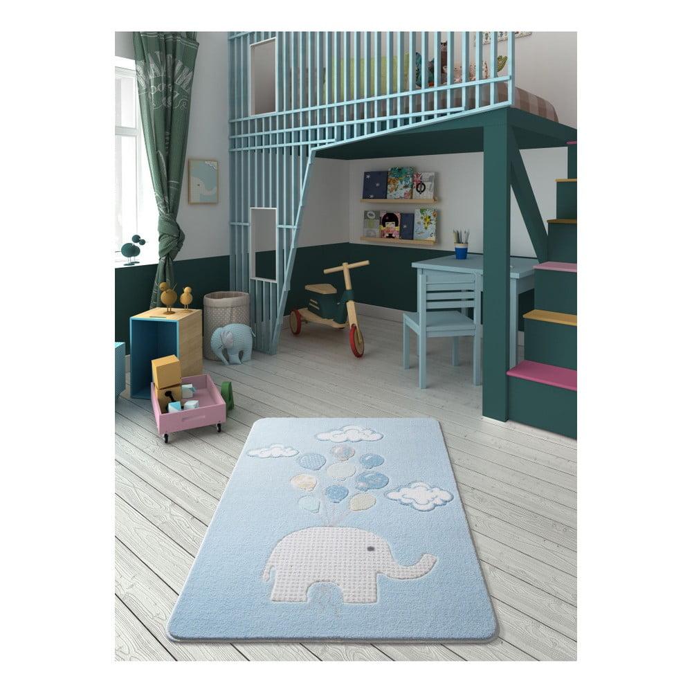 Dětský světle modrý koberec Confetti Sweet Elephant, 100 x 150 cm