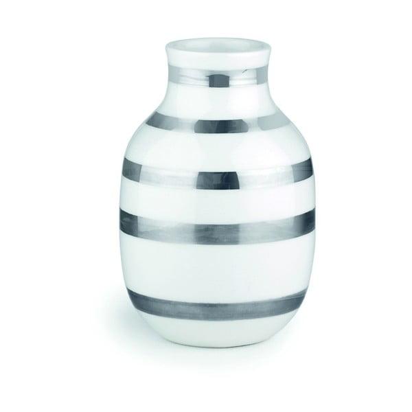 Biela kameninová váza s detailmi v striebornej farbe Kähler Design Omaggio, výška 12,5 cm