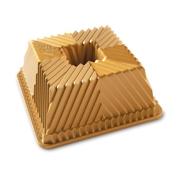 Formă chec Nordic Ware Square, 2,4 l, auriu