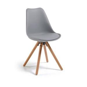 Šedá jídelní židle s dřevěnými nohami loomi.design