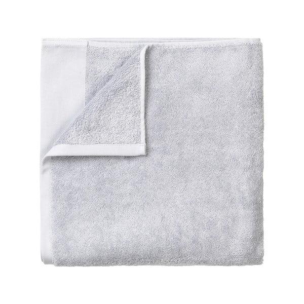 Světle šedý bavlněný ručník Blomus, 50x100cm