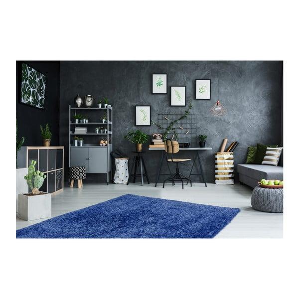 Tmavě modrý ručně vyráběný koberec Obsession My Touch Me Azur, 40 x 60 cm